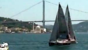 İstanbul Boğazı'nda yelkenler yarıştı