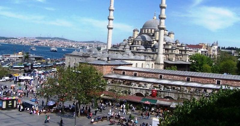 İstanbul'da Sokağa Çıkma Yasağı Mı Gelecek ?