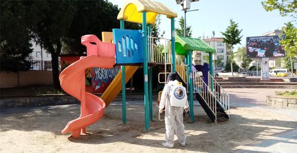 Parklar Dezenfekte Edildi